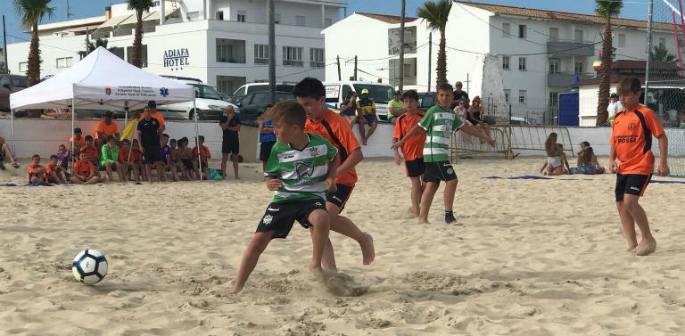 Barbate CF y Mentidero CD se proclaman campeones de Andalucía benjamín y  alevín. Vencieron en la final a Mentidero Cádiz CD y Atlético Tartessos 40c938cbff303