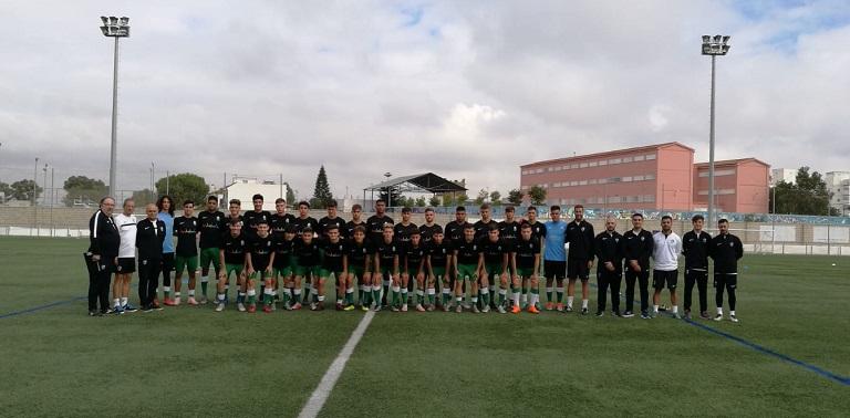 Primer entrenamiento de la selección sub-18 que dirige Antonio Macías 31  jugadores estuvieron a las órdenes del seleccionador andaluz con la mirada  puesta ... b191ae4fdd3