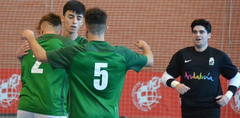 Los andaluces sub-16 se juegan ante la Comunidad Valenciana este sábado en  Lepe el pase a la